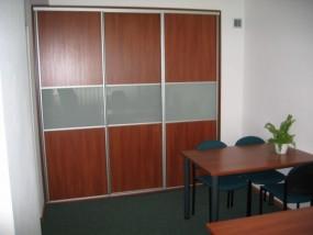 Szafy biurowe z drzwiami przesuwnymi